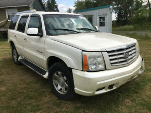 2002 Cadillac Escalade  all wheel drive 3rd row premium package