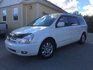 2009 Kia Sedona EX with Luxury Package Minivan, Van