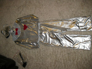 Wizard of Oz Tin Man , worn once. Perfect for halloween.