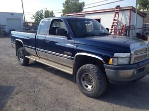 2000 Cummins 4x4 For Sale!!
