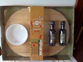 🎄🧀🍞Brand new Italian sharing platter and bowl