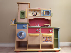 Little Tikes Deluxe Wooden Play Kitchen & Laundry Centre