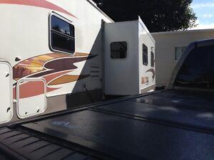 31 foot camper Cornwall Ontario image 3