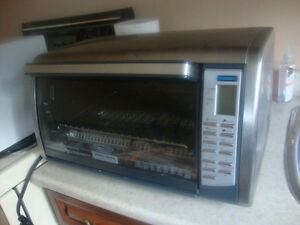 """Black&Decker Toaster Oven with 12"""" Pizza Capacity"""
