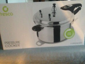 FRESCO PRESSURE COOKER 5 LT NEVER BEEN USED Paid 29.99 plus tax