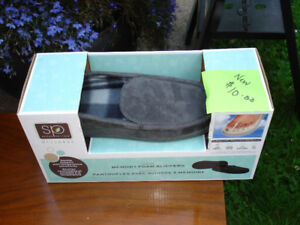 Men's Size 6-7 Memory Foam Slippers