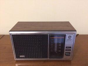 General Electric Radio FM AM Model No 7-4115B