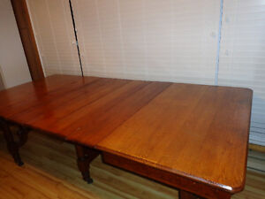 For Sale: Kitchen/Dining Table