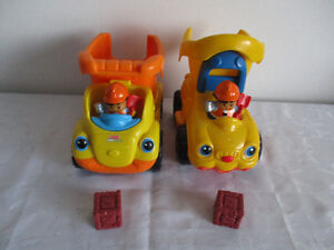2  Véhicule  Little  People  Sonore  $8Chaque