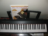 Yamaha Piaggero NP-11 + Pedal + Alfred's Basic Adult Course +DVD