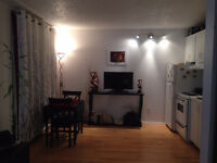 $600 / 1br  Seconds Away from Lauerier Metro
