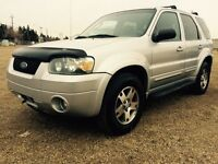 2005 Ford Escape Limited V6 4WD*Remote Car starter/Must sell!*