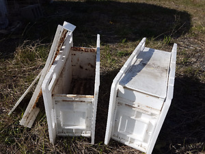 Honey Bee -- Bee Brief Four Frame Nuc Box
