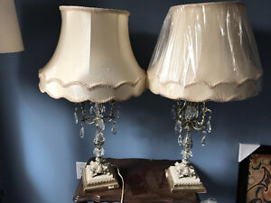 2 table lamps with marble base and glass hanging crystals
