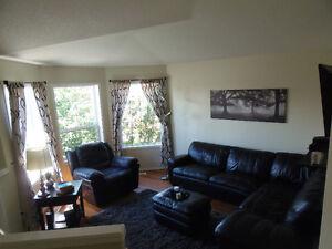 Great Family Home with HUGE pie lot Edmonton Edmonton Area image 2