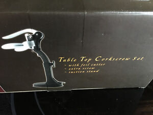 Table top EZPull corkscrew