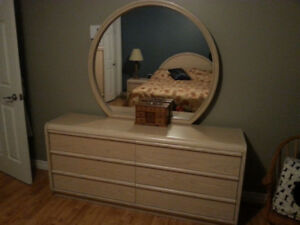 mobilier de chambre a coucher