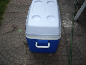 Ice bucket or carrage for camps, picnics, vacations, parties etc