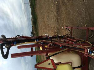REDUCED HARDI 42 FOOT BOOM AND CONTROLS REDUCED London Ontario image 5