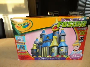 Awesome Toys Glow Football, Jewelry Maker, Modelling Clay &More Kitchener / Waterloo Kitchener Area image 3