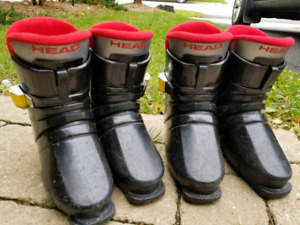 Youths ski boots