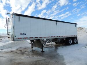 2017 wilson grain trailer with Pup hitch access