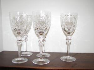 5 coupes à vin en cristal