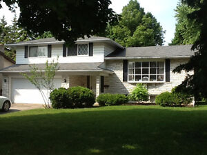 Expansive Beechwood Family Home $1695 @ 326 Craigleith