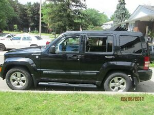 2010 Jeep Liberty SUV, Crossover