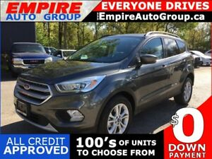 2017 FORD ESCAPE SE * ECOBOOST 4WD * REAR CAM * PANO SUNROOF * B