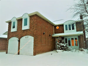 Detached House in Forrest Hill: 4 Bed+2 Garage+3 Bath & Pool Kitchener / Waterloo Kitchener Area image 1