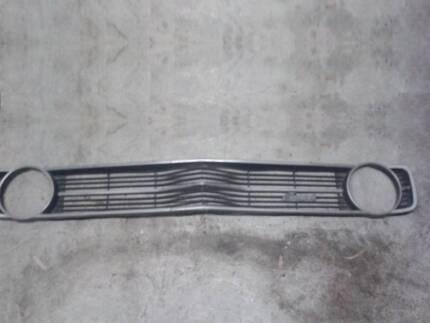 ford XA falcon / fairmont grill (with fairmont badge) - VGC