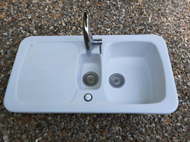 Kitchen sink ceramic white 1.5 bowl and tap