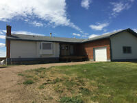 LARGE ACREAGE HOME & SHOP FOR RENT WITH 10 MINS OF GP