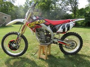 2006 Honda CRF450r motocross dirt bike