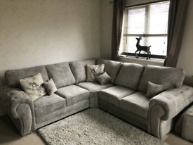 *5 Seater Verona Corner Sofa With Full Back Cushions