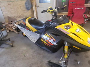 2003 MXZ 800 Rev with reverse