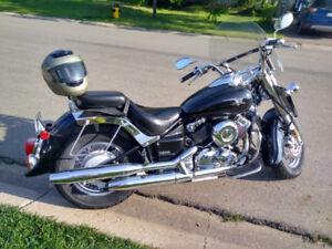 She's a beauty Yamaha VStar 650 (2004) must sell $2500 OBO