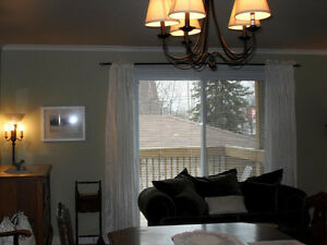 Executive Style Townhouse Condo with Lake Access