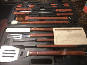 Ducks Unlimited barbecue tool set in case