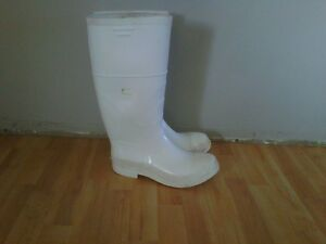 Lightly worn Men size 11 white rubber boots to work in fish shop