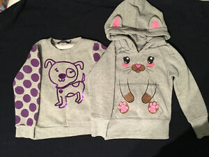 2 GILS SWEATERS - SIZE 4