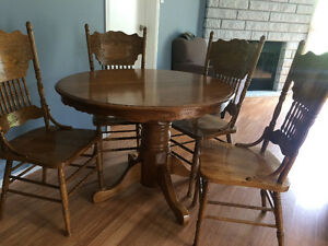 Beautiful solid oak table refinished