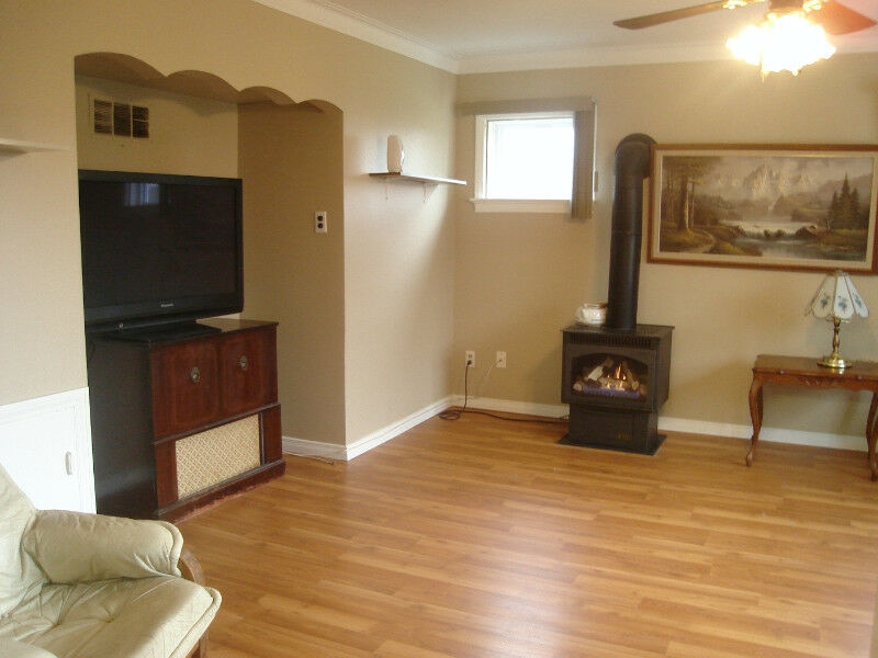 port colborne one bedroom fully furnished semi house for rent