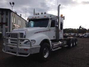 Repo Unit: 2006 Freightliner Columbia Tri Drive Winch Truck