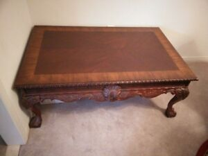 Large mahagony coffee table