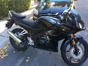 Honda CBR 125 2008 Impeccable