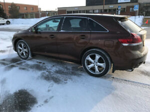 Toyota Venza V6 AWD 2013 Excellent Condition