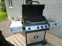 Napolean Gas BBQ UD405RSB