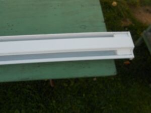 HEATER  ELECRRIC BASEBOARD  8FT 6 INCHES Windsor Region Ontario image 3